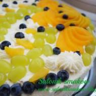 Tort z galaretką i owocami