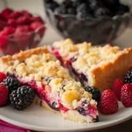 Kruche ciasto z owocami i kruszonką