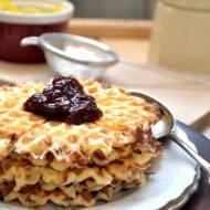 Gofry z serka wiejskiego – Mleczne śniadanie na rozpoczęcie roku szkolnego