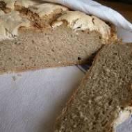 długo świeży chleb z ziemniakiem
