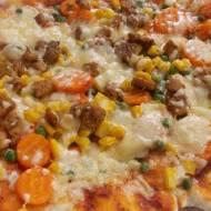 Pizza z wieprzowiną i warzywami