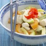Zielone curry z cukinią, fasolką szparagową i kurczakiem