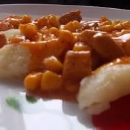 Kopytka w sosie pomidorowym