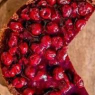 Tort czekoladowo-figowy z wiśniami