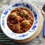 Klopsiki z dorsza w sosie pomidorowym z kaparami