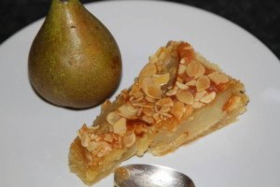 Tarta migdałowa z gruszkami