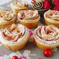 Róże z jabłka w cieście francuskim
