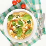 Omlet ze świeżym szpinakiem i serem feta