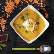 Zupa krem z czerwonej soczewicy z kurczakiem curry