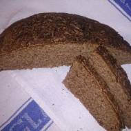 zaparzany litewski razowy chleb żytni