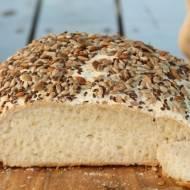 Bezglutenowy i bezlaktozowy chleb z ziarnami