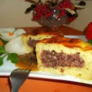 Maminkowe zapiekanki z kaszanką i sosem grzybowym