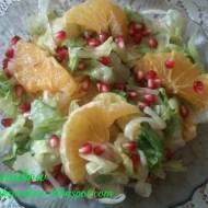 Sałatka z pomarańczami w miodowo-cytrusowym sosem