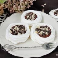 Bezy z galaretką czekoladową