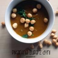 Pikantna zupa dyniowa z zielonym groszkiem