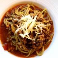 Zielone Spaghetti z gulaszem mielonym-wołowym