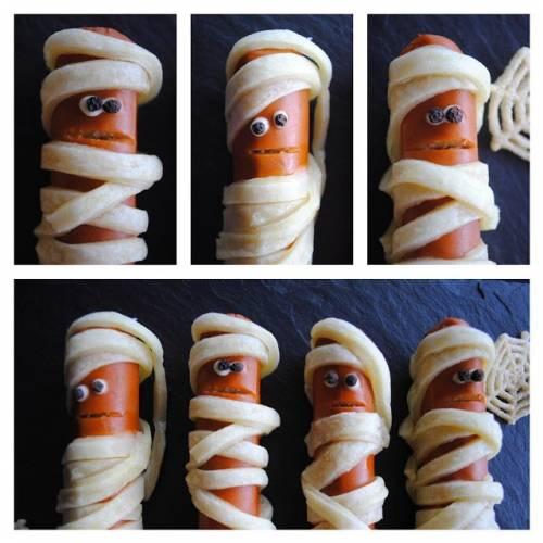 Mumie na Halloween - parówki/kiełbaski w cieście francuskim