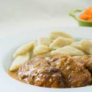 Polędwiczki wieprzowe w prostym sosie.