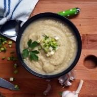 Zimowa zupa krem z pieczonego kalafiora