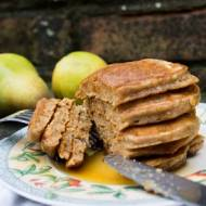 Pancakes orkiszowe z gruszką.