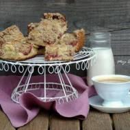 Ciasto drożdżowe ze śliwkami i owsianą kruszonką