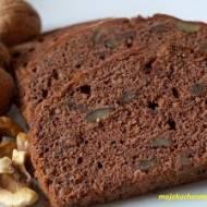 Szybkie ciasto czekoladowe z orzechami