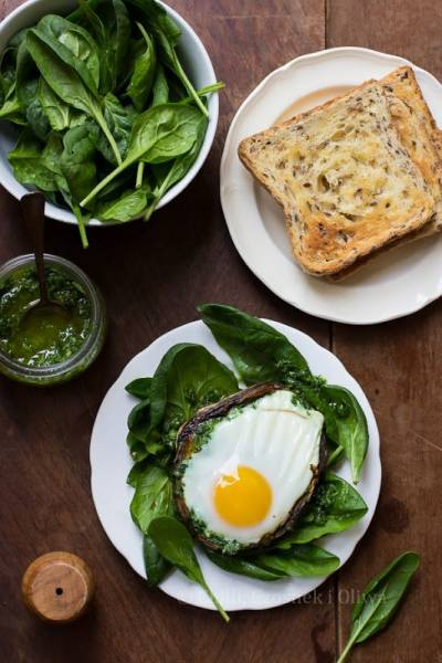 Jajko zapiekane w pieczarce na dwa sposoby