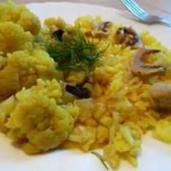 Kalfior i ryż w żółtej odsłonie