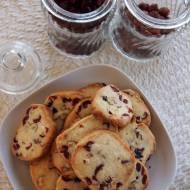 Ciasteczka maślane z żurawiną i orzechami laskowymi