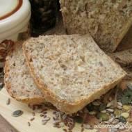 Chleb z otrębami i ziarnami