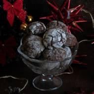 Popękane ciasteczka z gorzką czekoladą