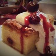 Luksusowe ciasto z ajerkoniakiem i wiśniami