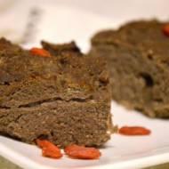 wegańskie brownie z jagodami goji bez cukru