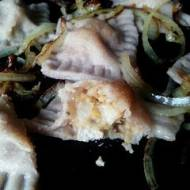 Wigilia o niskim IG z Przepysznikiem i Naturą Rzeczy: Pełnoziarniste pierogi z kapustą i grzybami