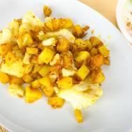 Ziemniaki z kalafiorem po indyjsku.