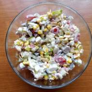 Kolorowa sałatka z gotowanych pieczarek