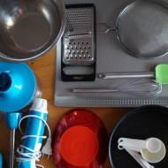 Niezbędne akcesoria w kuchni, gdy zaczynasz przygodę z pieczeniem