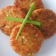 Kotlety z gotowanych ziemniaków i cukinii. Doskonały recycling obiadowy. Danie pyszne, zdrowe, sycące i wegetariańskie.