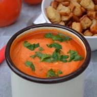 Krem pomidorowy z marchewką i maślanymi grzankami