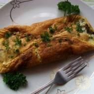 Omlet z pieczarkami i serem pleśniowym