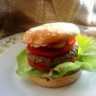 Sosy FOLWARK - Wołowy hamburger z sosami