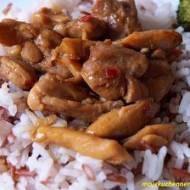Orientalny kurczak z ryżem i brokułami