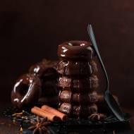 Pieczone donuty z czekoladą