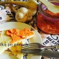 HTIPITI, czyli pasta z pieczonej papryki i sera feta.