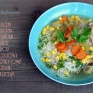 Lekka zupa z kurczakiem i kukurydzą