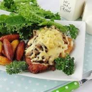Kotlet drobiowy z pieczarkami i serem