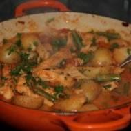 Kurczak tikka masala z fasolką i ziemniakami