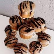 Makowe muffiny z orzechami włoskimi i czekoladą