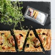 Quiche z gruszkami i miodowym kozim serem