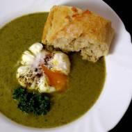 Krem brokułowy z jarmużem, szpinakiem i gorgonzolą
